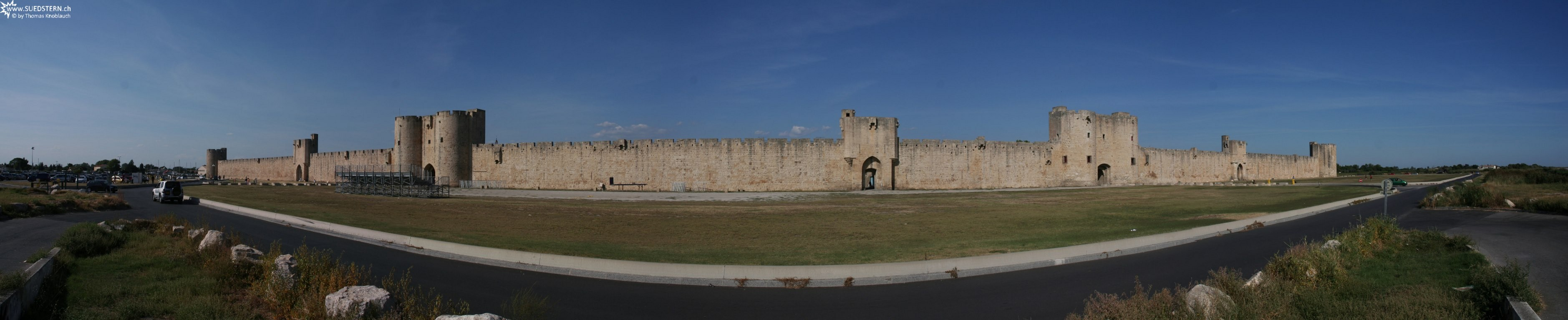 2008-08-27 - Panorama of city wall of Aigues-Mortes 4, france